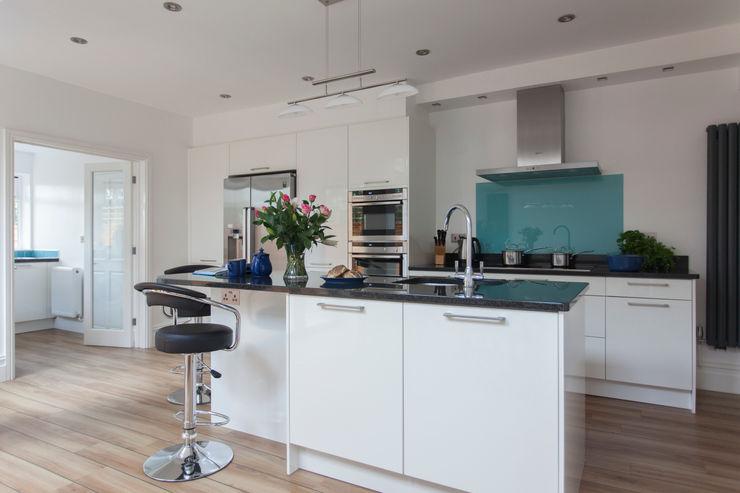 Extension to an Edwardian house in Bristol Dittrich Hudson Vasetti Architects Modern kitchen