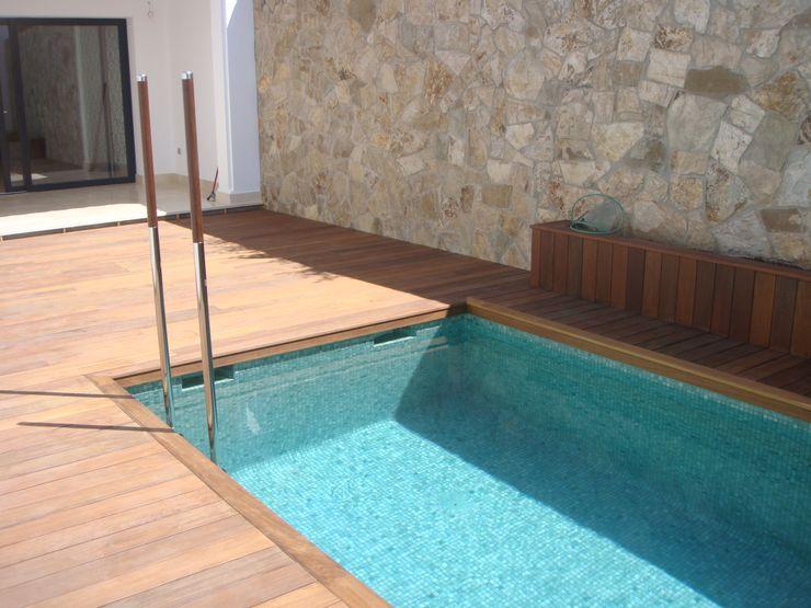 Vivienda en Secadero Benjumea Arquitectos Piscinas de estilo minimalista