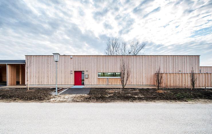 Energieeffizienter Bungalow im Weißtannenkleid Abendroth Architekten Moderne Häuser