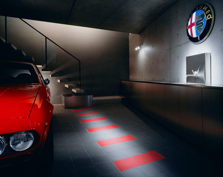balena 筒井紀博空間工房/KIHAKU tsutsui TOPOS studio オリジナルデザインの ガレージ・物置