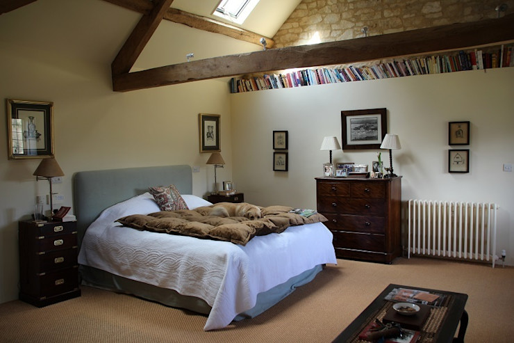 Master bedroom Justin Van Breda Country style bedroom