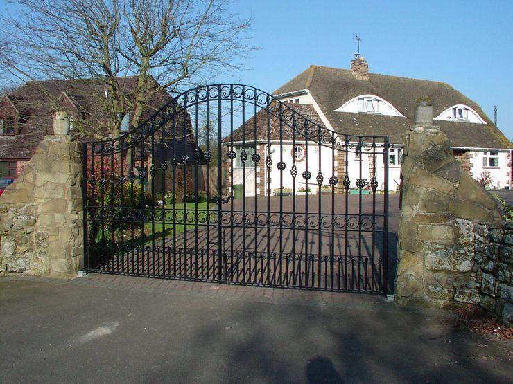 Driveway gate F E PHILCOX LTD Minimalist style garden
