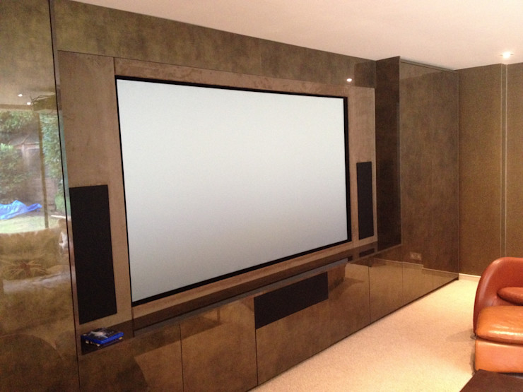 Multi purpose cinema room Designer Vision and Sound Modern media room