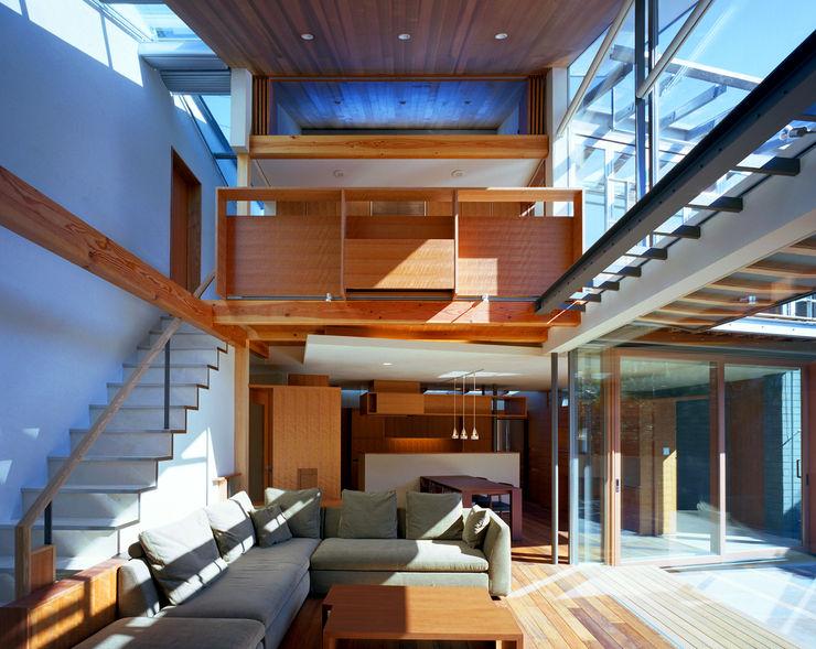 光を抱く家 西島正樹/プライム一級建築士事務所 オリジナルデザインの リビング