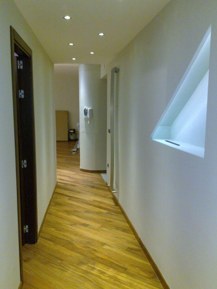 Architetto del Piano Modern Corridor, Hallway and Staircase