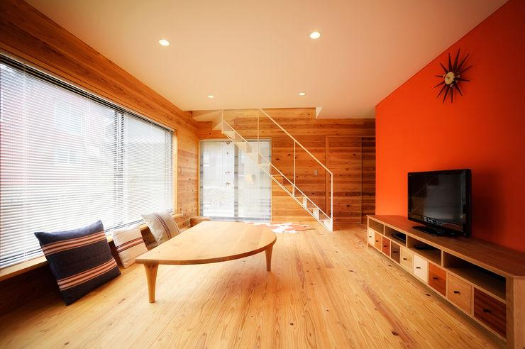 長井建築設計室 Salas de estar minimalistas