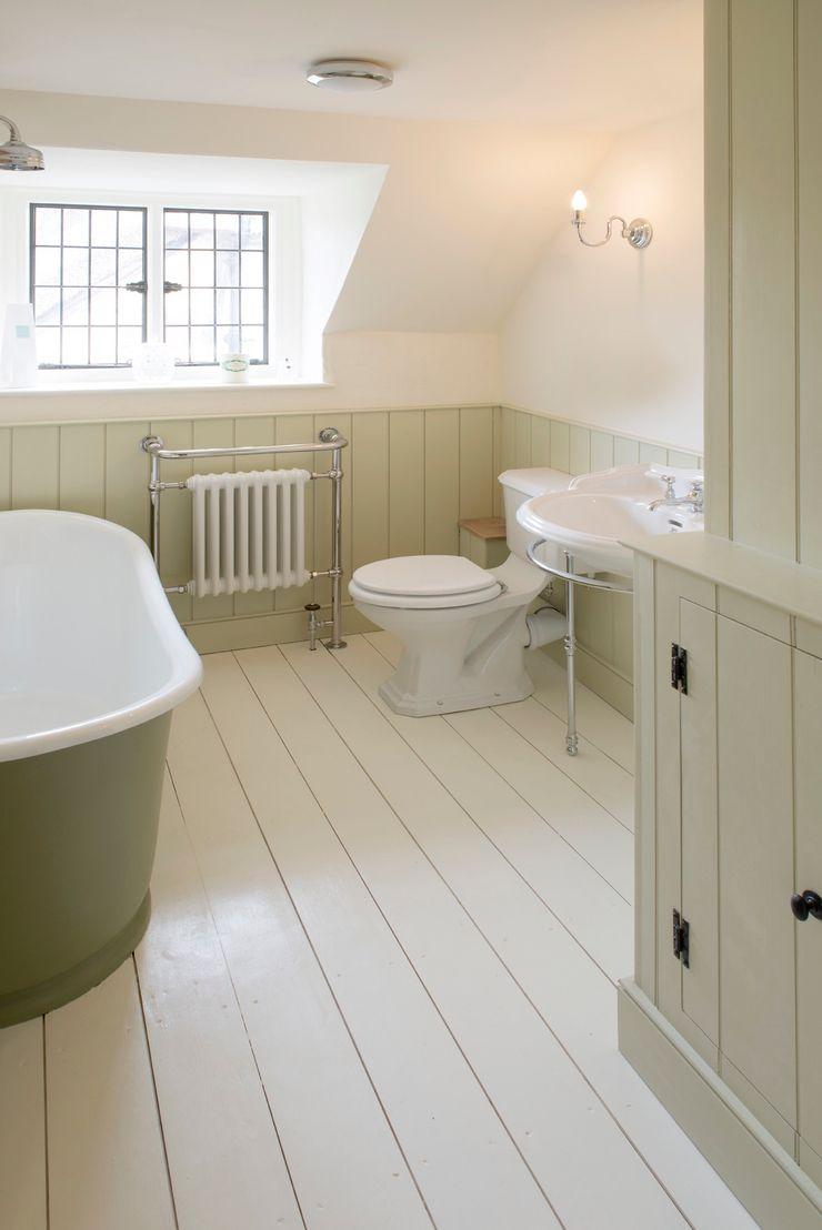 Projects / Kitchens Hartley Quinn WIlson Limited Phòng tắm phong cách kinh điển