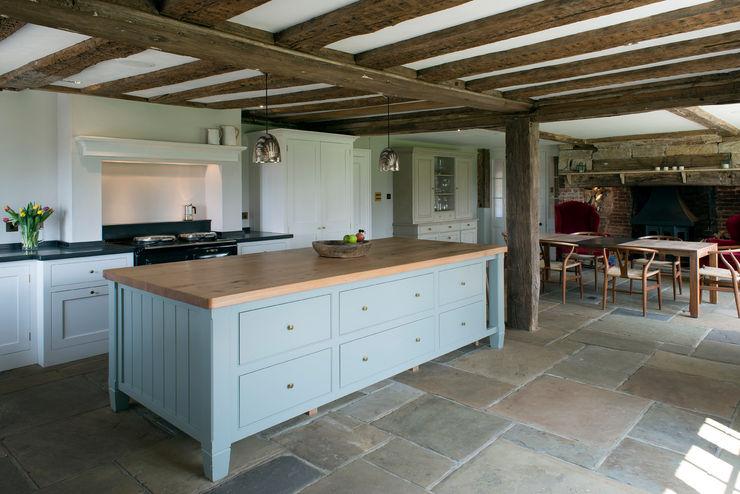 Projects / Kitchens Hartley Quinn WIlson Limited Nhà bếp phong cách kinh điển