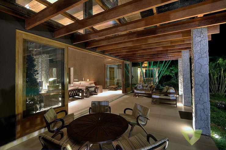 Casa de Campo Quinta do Lago - Tarauata Olaa Arquitetos Varandas, alpendres e terraços rústicos