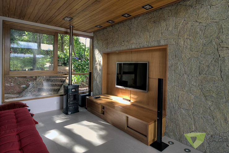 Olaa Arquitetos Salas multimedia rústicas