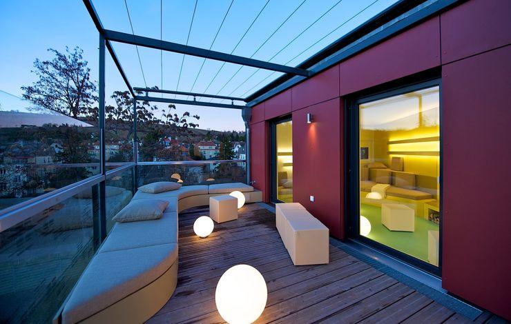 outdoor-lounge 3rdskin architecture gmbh Ausgefallener Balkon, Veranda & Terrasse