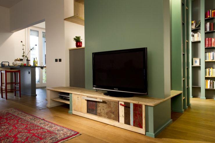 Appartamento verde Laquercia21 Soggiorno eclettico