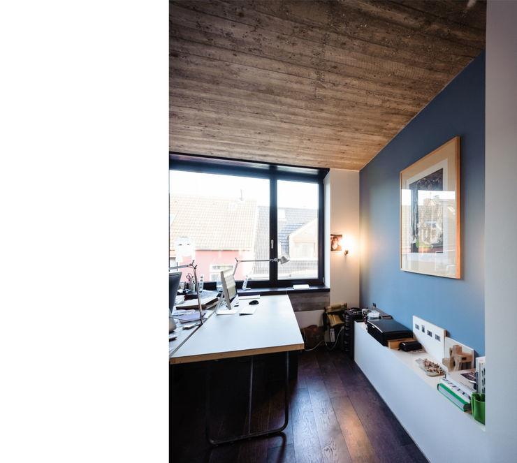 beissel schmidt architekten Ruang Studi/Kantor Modern