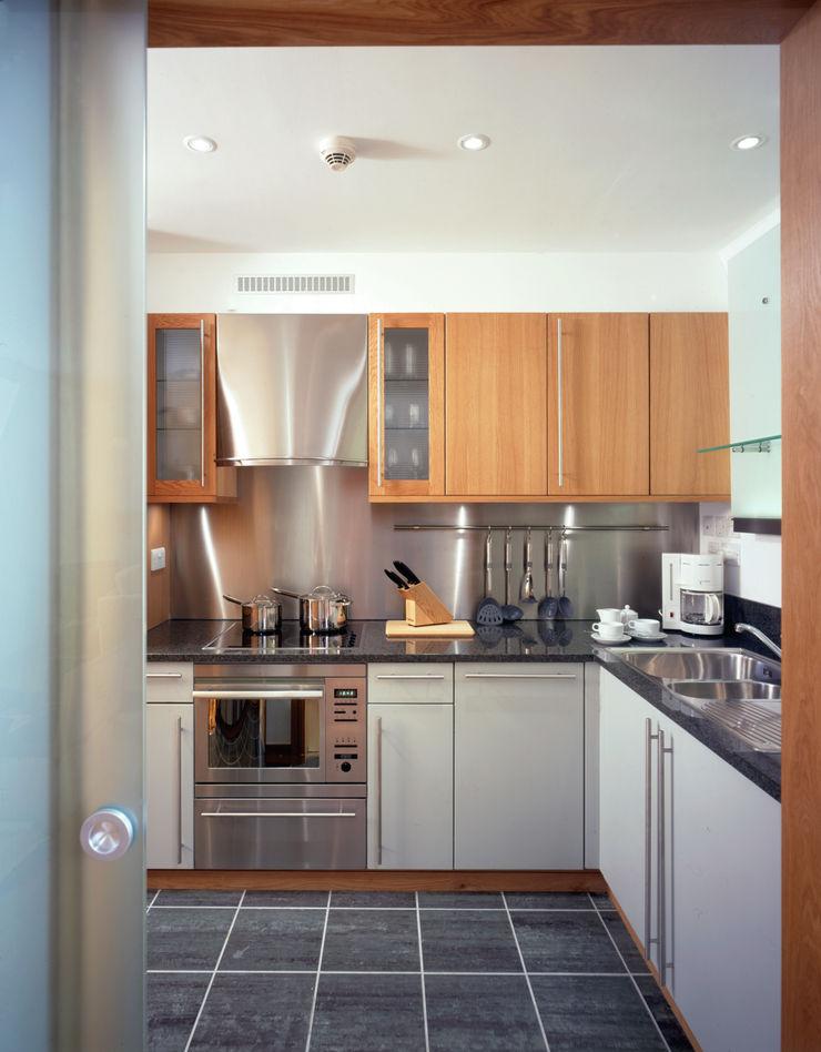 Wardrobe Court KSR Architects Modern Kitchen