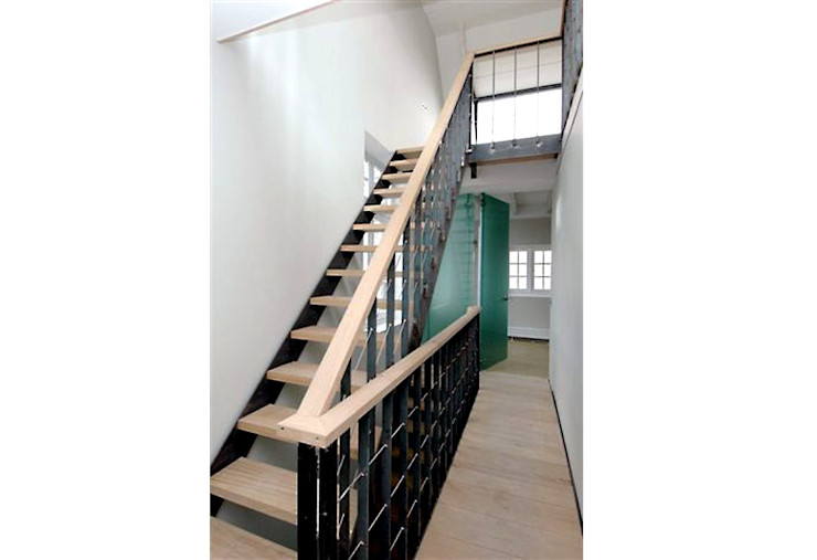 Loft in oude textielfabriek Archivice Architektenburo Industriële gangen, hallen & trappenhuizen
