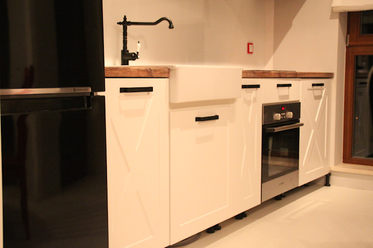 Comfort & Style Interiors KitchenCabinets & shelves