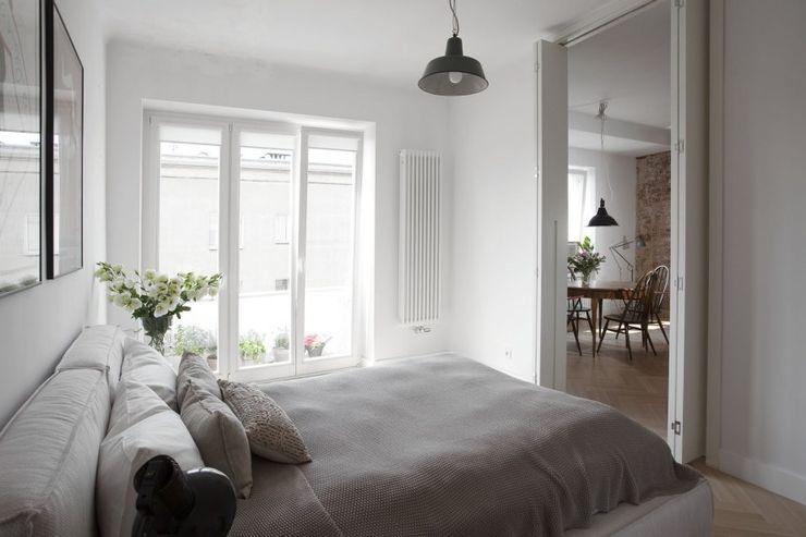 cs Minimalistischer Balkon, Veranda & Terrasse
