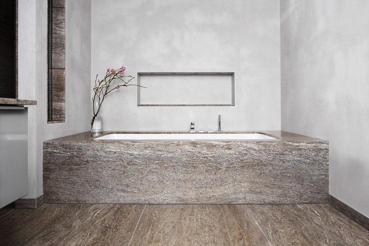 Förstl Naturstein Baños de estilo minimalista