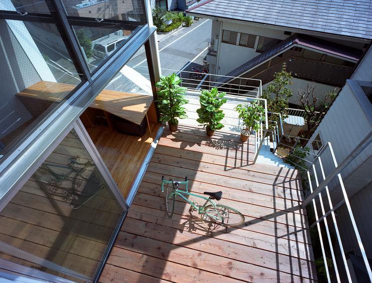スキップテラスの家 西島正樹/プライム一級建築士事務所 オリジナルデザインの テラス