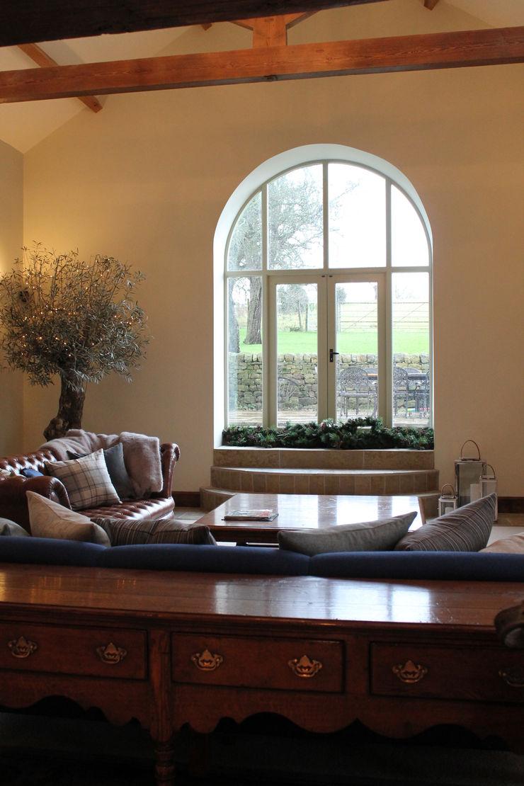 Beautiful Feature Window into the Fields Vanessa Rhodes Interiors Kırsal Oturma Odası