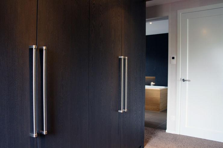 a-LEX Modern Dressing Room
