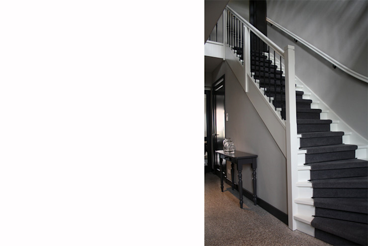 a-LEX Classic style corridor, hallway and stairs