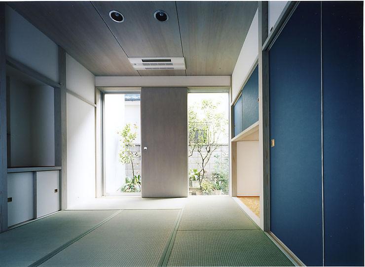 和室 濱嵜良実+株式会社 浜﨑工務店一級建築士事務所 クラシカルスタイルの 寝室