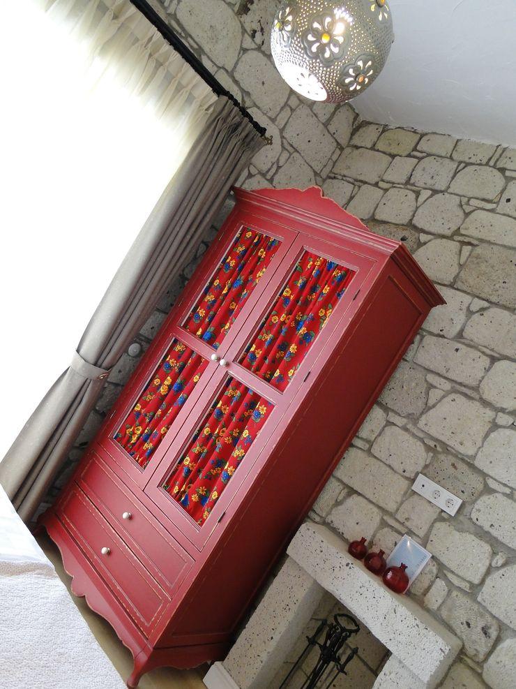 Tuncer Sezgin İç Mimarlık BedroomWardrobes & closets