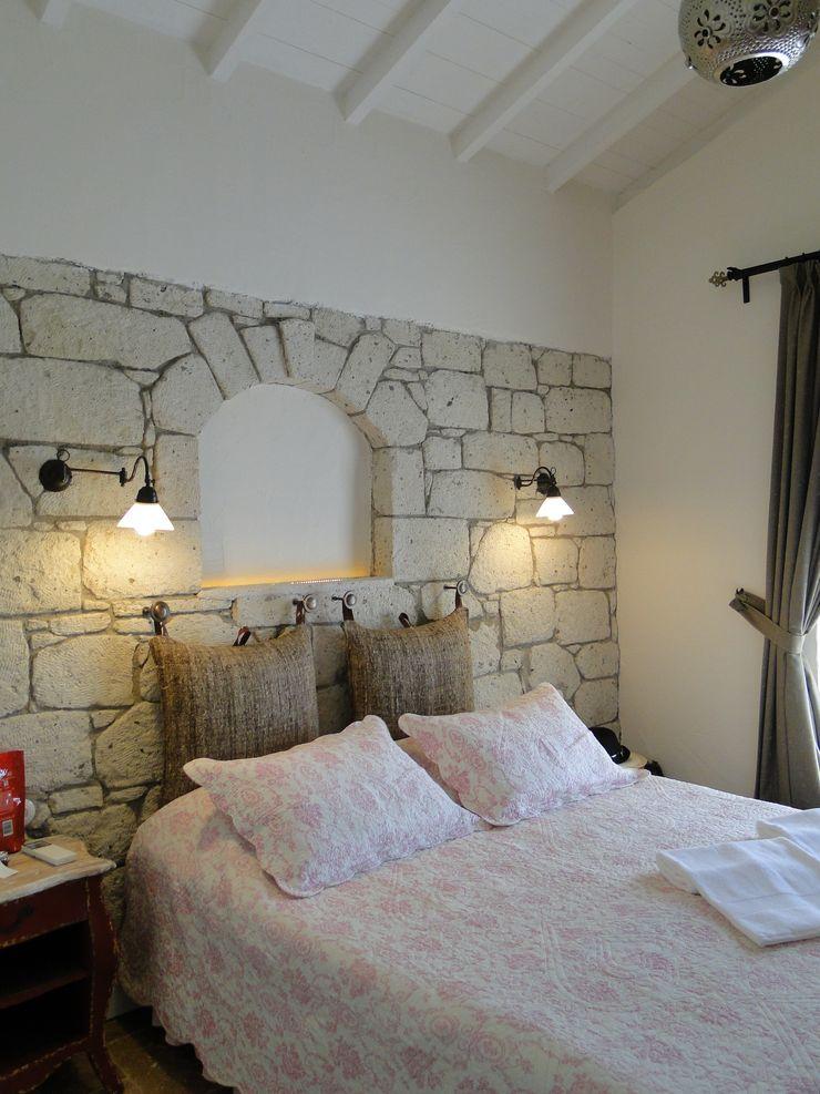 Tuncer Sezgin İç Mimarlık BedroomBeds & headboards