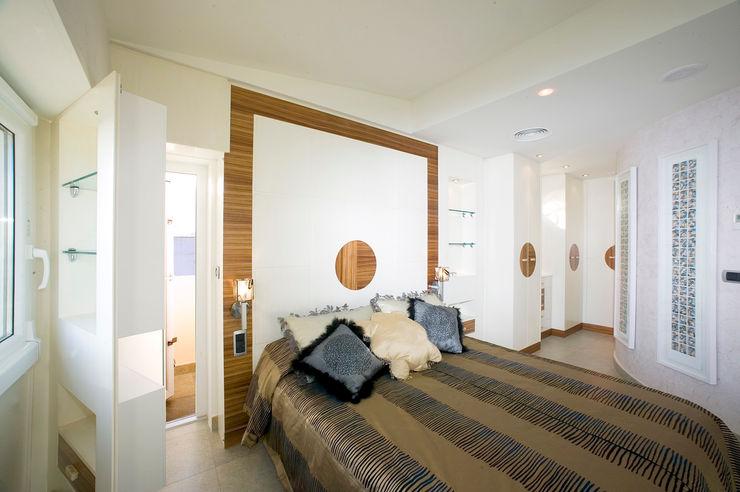 Artemark Global Dormitorios de estilo moderno