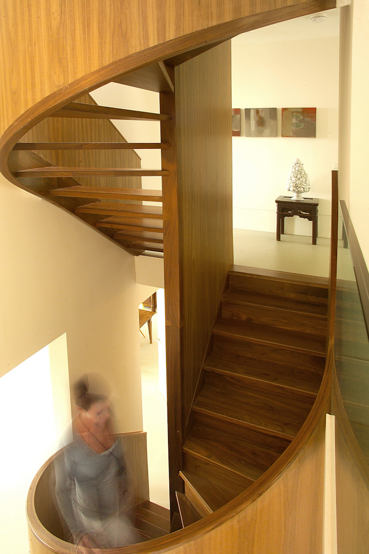 paul seuntjens architectuur en interieur Ingresso, Corridoio & Scale in stile moderno