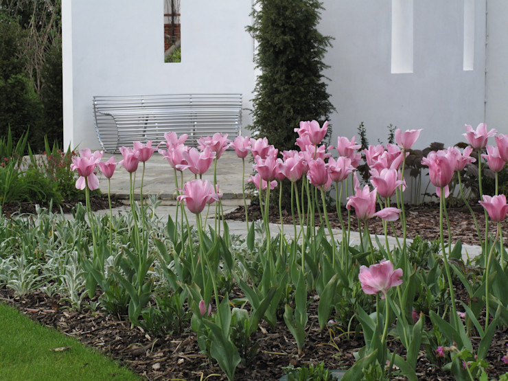 Traditional and Contemporary Mix Cherry Mills Garden Design Minimalist style garden