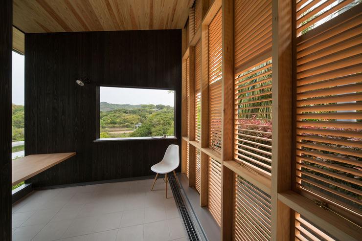 Tei 読書デッキ キリコ設計事務所 和風デザインの テラス