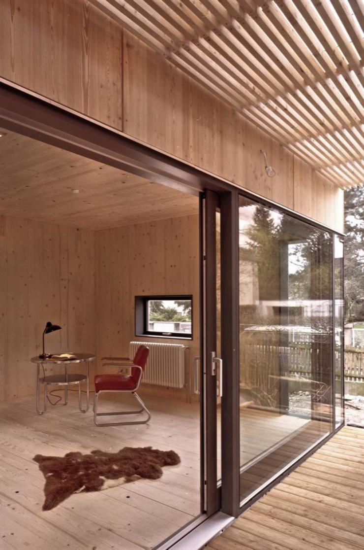 Fürst & Niedermaier, Architekten Modern Corridor, Hallway and Staircase
