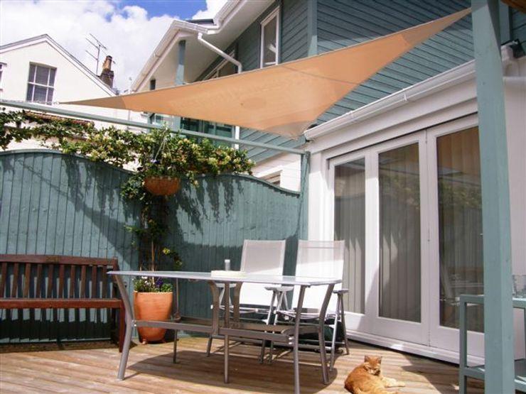 Various Shade Ideas Kemp Sails LTD Scandinavian style balcony, veranda & terrace