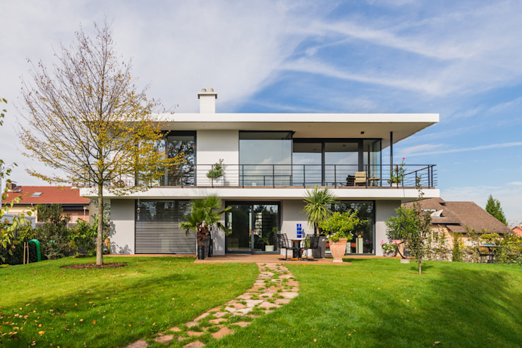 Gartenansicht / Südost Helwig Haus und Raum Planungs GmbH Moderner Garten