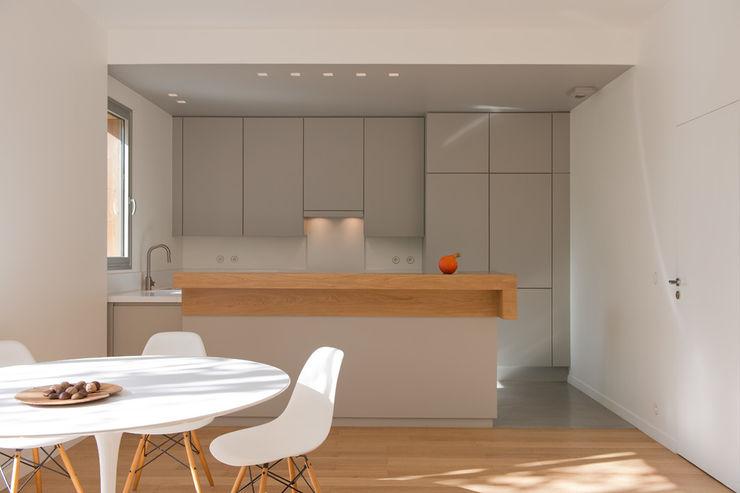 MELANIE LALLEMAND ARCHITECTURES Modern kitchen