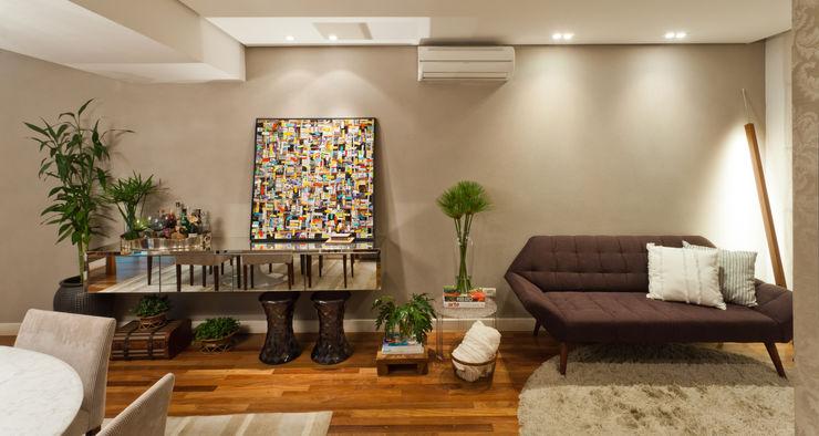 IE Arquitetura + Interiores Salas de jantar modernas