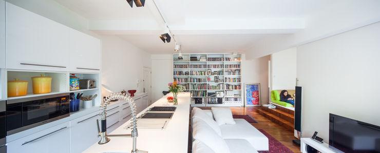 atelier blur / georges hung architecte d.p.l.g. Salas de estar modernas