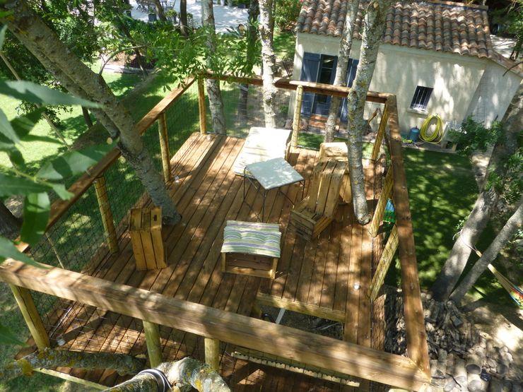 Une jolie petite terrasse a l'ombre des frênes Cabaneo Jardin original