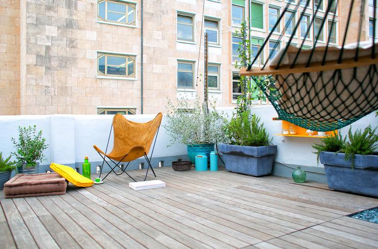 marta carraro Industrial style balcony, veranda & terrace