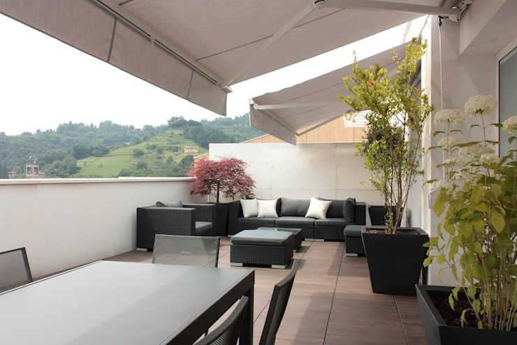 Terrazza Francesca Bonorandi Balcone, Veranda & Terrazza in stile minimalista