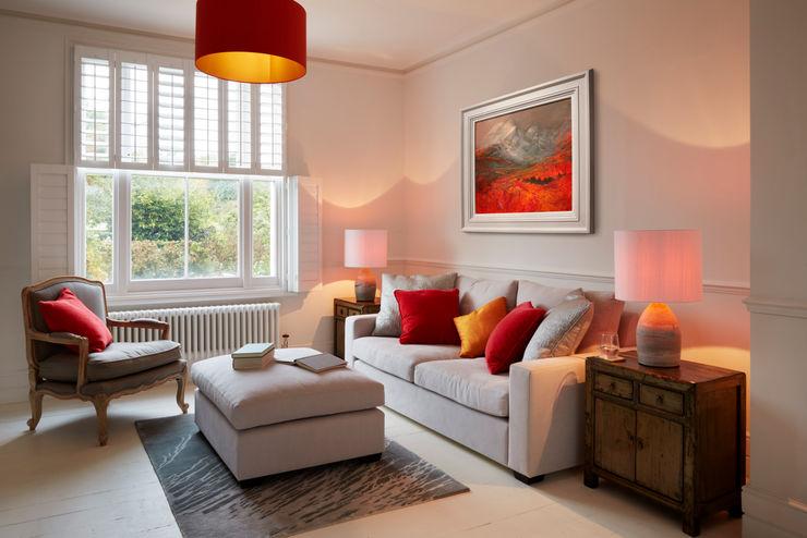 Bright, light living room ZazuDesigns Modern Living Room