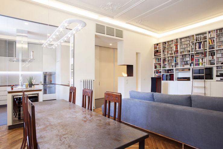 Appartamento a Milano bdastudio Soggiorno moderno