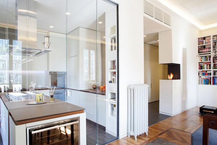 bdastudio Minimalist kitchen