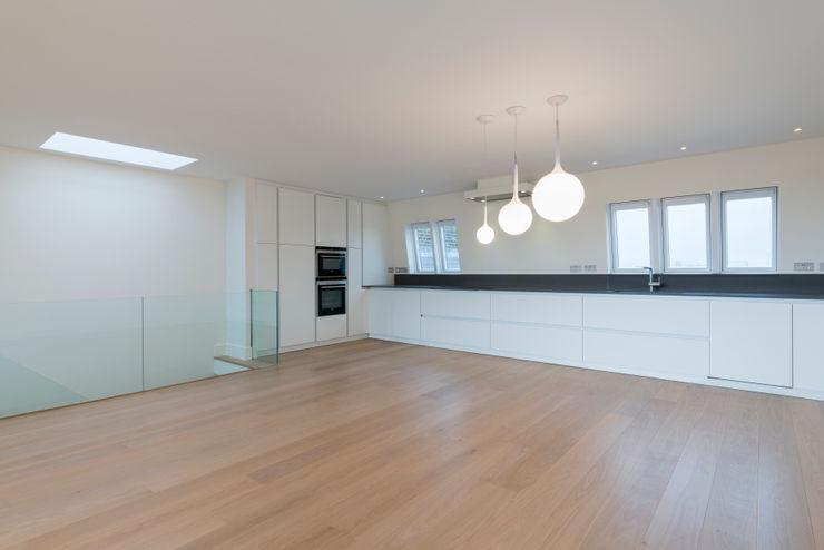 Kitchen DDWH Architects Minimalist kitchen