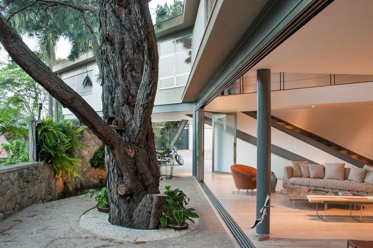 SAA_SHIEH ARQUITETOS ASSOCIADOS Modern Houses
