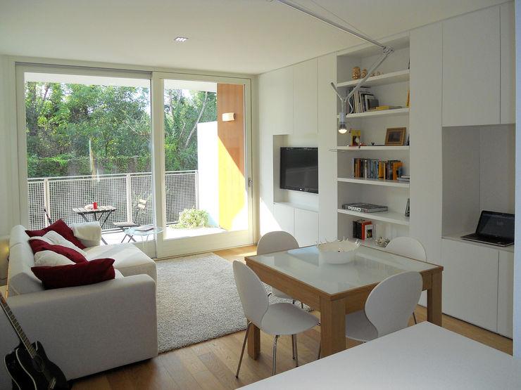 Appartamento a Segrate bdastudio Soggiorno minimalista