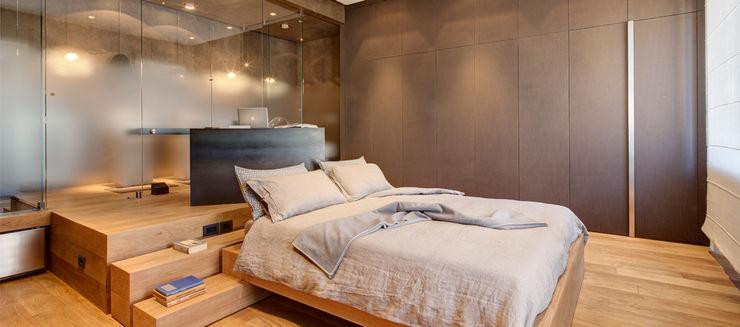 Luce ed atmosfera per l'ambiente in cui si inizia e si termina la giornata Andrea Bella Concept Camera da letto minimalista