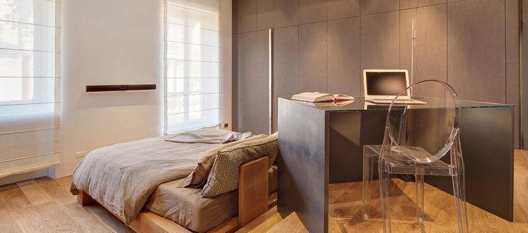 Riposarsi o leggere una mail senza sacrificare il piacere dell'atmosfera Andrea Bella Concept Camera da letto minimalista